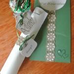 Einladung mit Menürolle und Namensschild und kleines Dankesschön an die Gäste